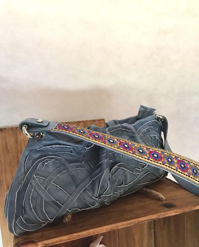 bolso azul denim en piel 4