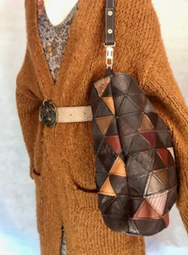 bolso de hombro marrón