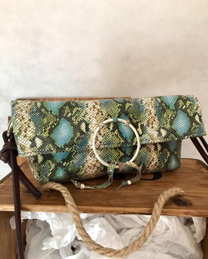 bandolera vejer en piel print serpiente azul y verde2