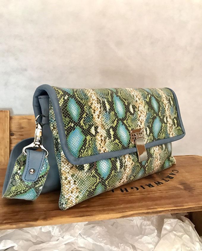 bolso piel print serpiente azul y verde2