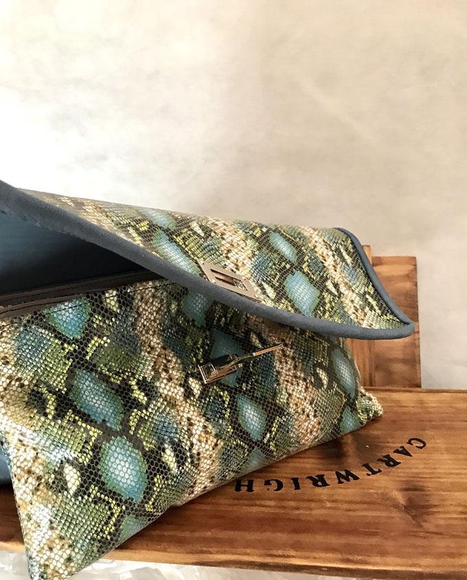 bolso piel print serpiente azul y verde5