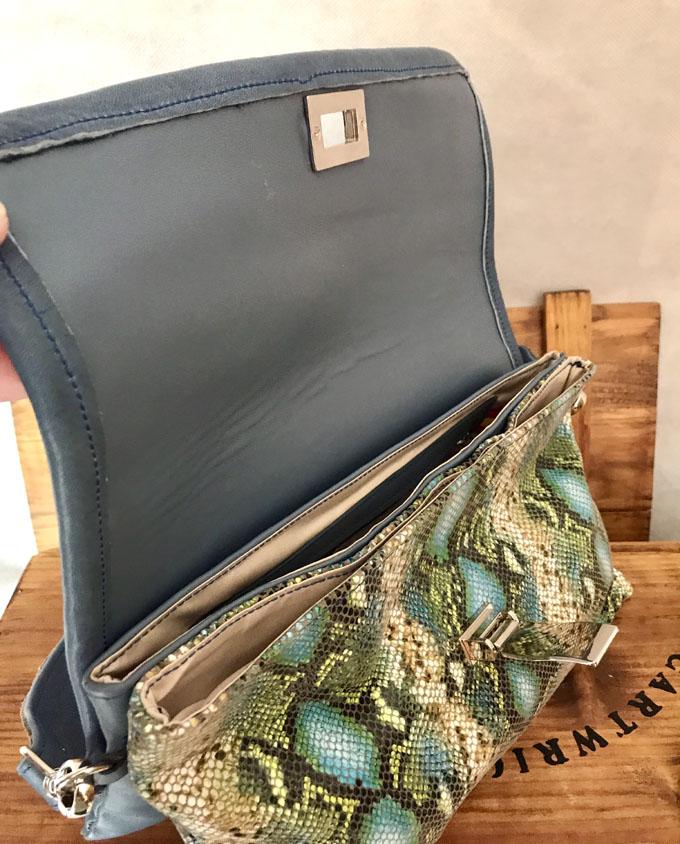 bolso piel print serpiente azul y verde6