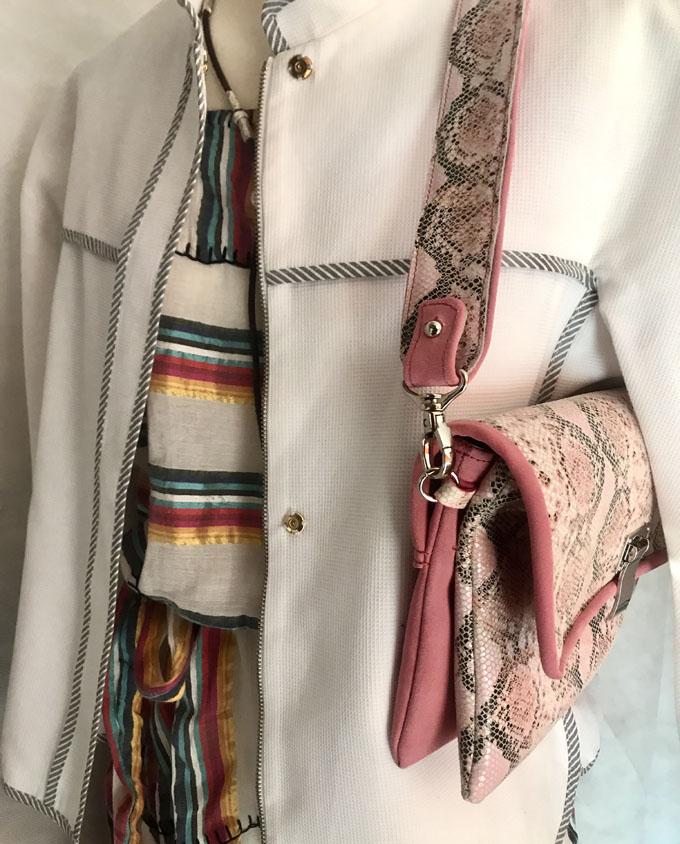 bolso piel print serpiente rosa y ante1