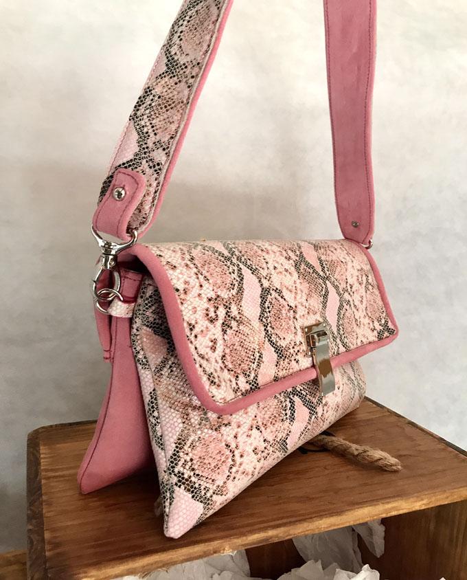 bolso piel print serpiente rosa y ante2